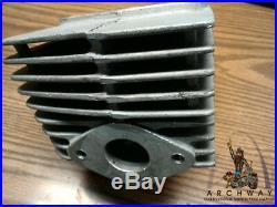 1974 SUZUKI T250-2/T250l HUSTLER CYLINDER LEFT NOS! Oem#11220-18400 NEW iN BOX