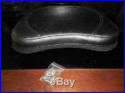 NOS Suzuki OEM Boulevard VL1500 Backrest Pad C50 C50T C90 C90T 990A0-75039-001