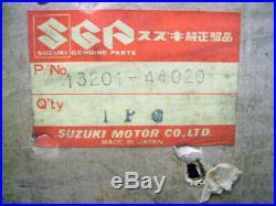 Suzuki GS400 Carburetor RH NOS GS400C GS400N GS400X CARB 13201-44020 Carburettor