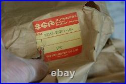 Suzuki tm100 tn125 tm250 tm400 rm125 NOS front fender 1972-75 53111-28300-163